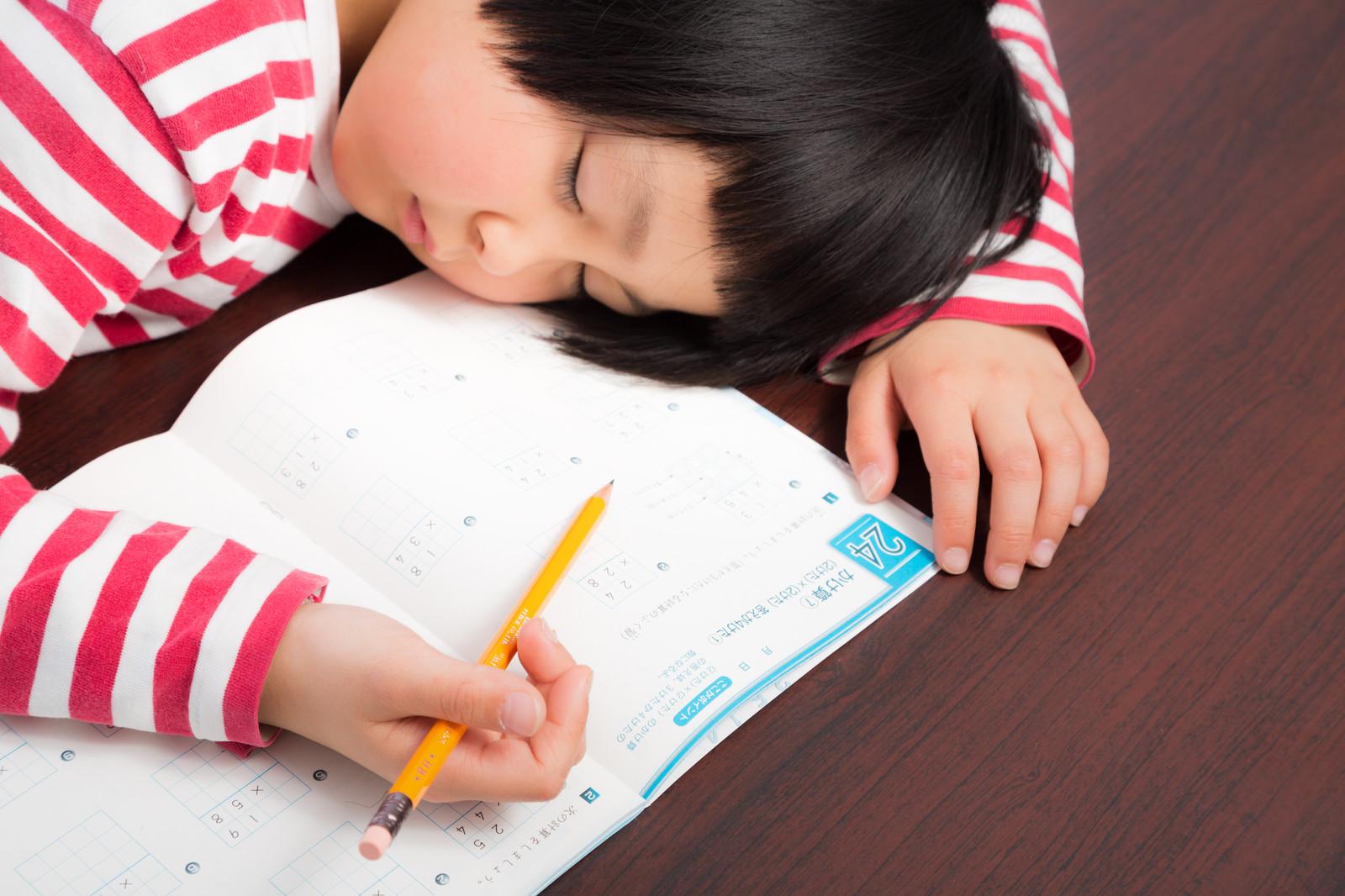 宿題をしない子にはどんな指導をすればいいの?言い訳させない状況の作り方を徹底解説!